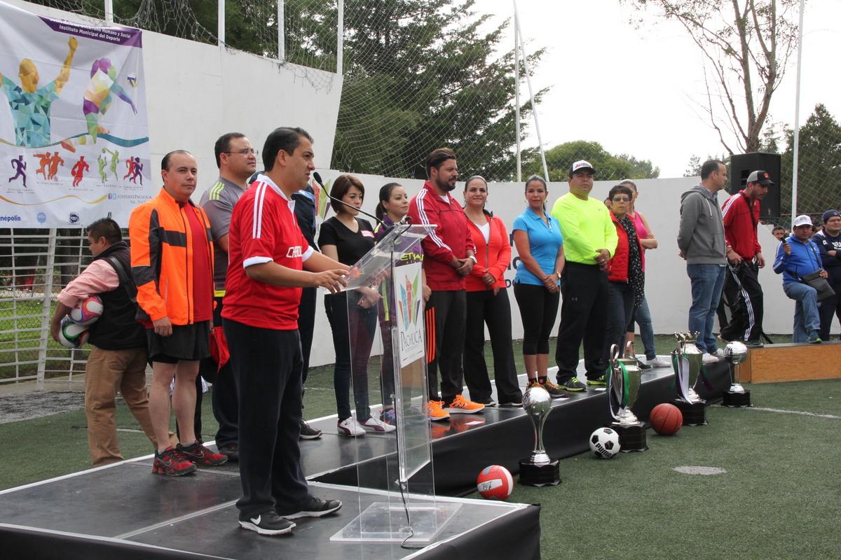 Baños Vestidores Empleados: , vestidores y lo que será la primera Unidad Deportiva Infantil